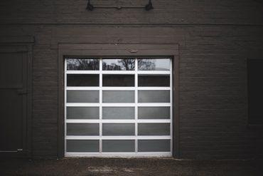 nettoyer porte de garage